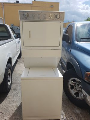 Large capacity stackable washer and dryer set for Sale in Miami, FL