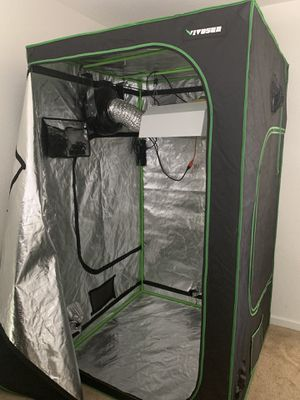 Grow tent, the whole set up 4x4x8 for Sale in Tracy, CA
