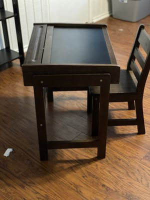 Kids desk+chair for Sale in Richardson, TX