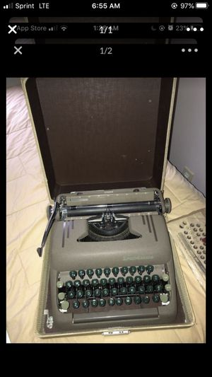 1950s Smith Corona Silent Typewriter NEEDS TO GO for Sale in Worcester, MA