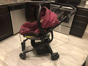 Car seat and bassinet stroller (with car seat base) for Sale in Davenport, FL