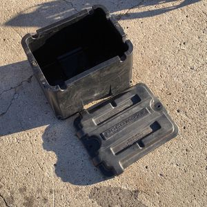 NOCO HM426 Dual 6V GC2 Commercial-Grade Battery Box for Sale in Poway, CA