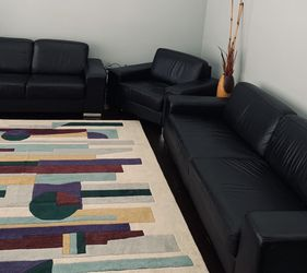 3 Pc Black Leather Sofa Set for Sale in Brecksville,  OH