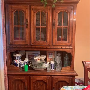 China cabinet for Sale in Del Valle, TX