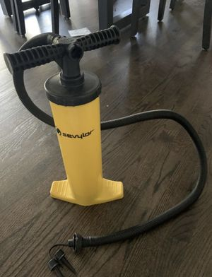 Savylor double action hand pump for Sale in Middleton, WI