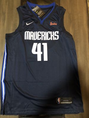 Dirk nowitzki jersey size M,L and XL available for Sale in Naples, FL