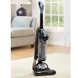 Black & decker air swivel ultra light vacuum LIKE NEW for Sale in Tacoma, WA