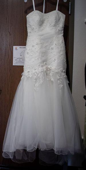 Ivory Sweetheart Wedding Dress for Sale in Houston, PA