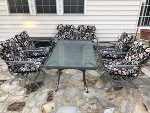 Sleek Patio Furniture (7 Pieces) for Sale in Lorton, VA