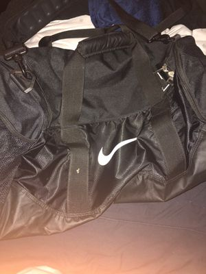 Nike elite duffle bag for Sale in Woodstock, MD