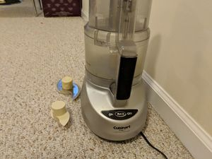 Cuisinart 7 cup food processor for Sale in Daniels, MD