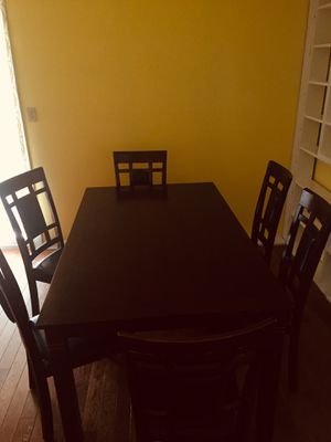 Kitchen table with 6 chairs for Sale in Columbus, OH