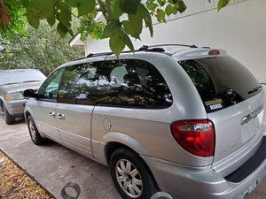 2005 town and Country mini van for Sale in Haltom City, TX
