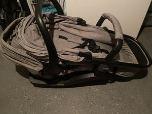 Urbini car seat/stroller for Sale in Lebanon, PA