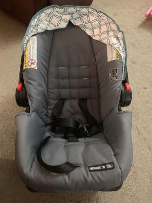 Rear facing car seat for Sale in North Smithfield, RI