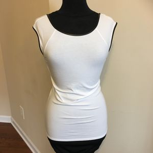 M White fitted tee with faux leather piping for Sale in Atlanta, GA