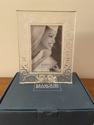 Marquis by Waterford Arabesque Lead Cristal Frame for 4x6 Photo for Sale in Alexandria, VA