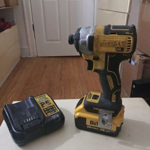 Dewalt Drill Deluxe Battery And Charger for Sale in Chicago, IL