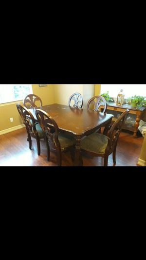Dining table with extension table piece for Sale in Hesperia, CA