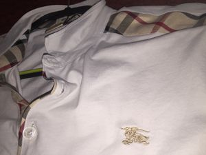 Burberry shirt (new) for Sale in Dallas, TX