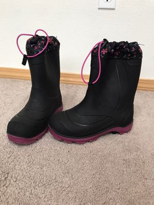 Girls Kamik snow boots size 2 for Sale in Stanwood, WA