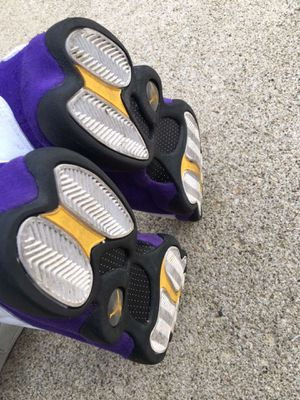 Jordan 13 white/court purple for Sale in Westerville, OH