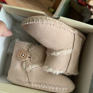 Baby Ugg for Sale in Fresno, CA