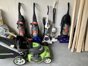 5 Vacuum Cleaners for Sale in Kissimmee, FL
