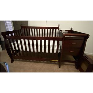 4 in 1 Crib With Changing Table for Sale in Duluth, GA