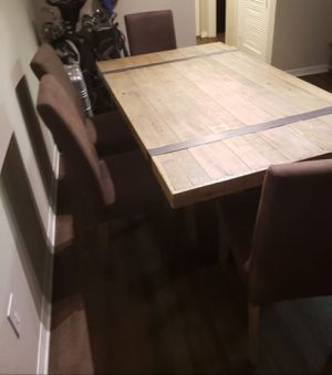 Farm style kitchen table (high end) for Sale in St. Petersburg, FL