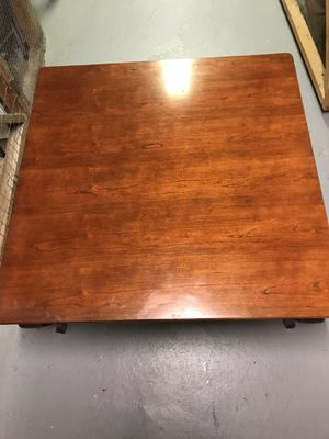 Beautiful large sturdy coffee table excellent condition for Sale in Annandale, VA