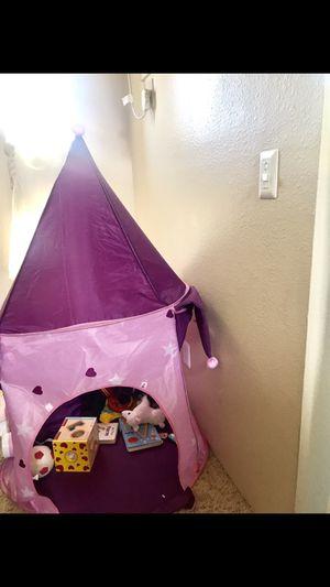 Kids tent castle 10$ for Sale in Denver, CO