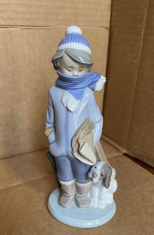 Genuine Lladro Winter Boy with Scarf and Dog for Sale in New York, NY