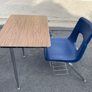 Students Desk for Sale in Spring Valley, CA