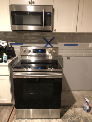 SAMSUNG KITCHEN SET for Sale in Rancho Cucamonga, CA