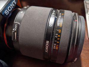 Sony DT 18-250mm f/3.5-6.3 lens for Sale in Chandler, AZ