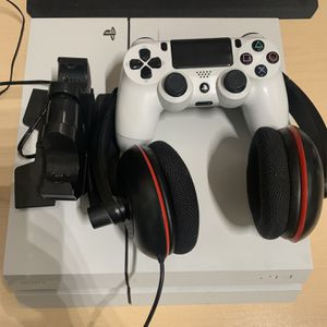White Playstation 4 (PS4), Controller Charger, Turtlebeech P11 Headset, and Games for Sale in Santa Ana, CA
