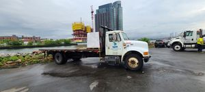 Truck 1998 international flatbed camion for Sale in Commack, NY