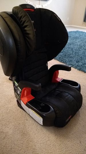 Britax Pinnacle ClickTight G1.1 Harness-2-Booster Car Seat for Sale in Austin, TX