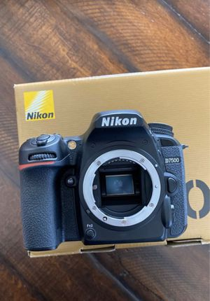 Nikon D7500 camera and lens for Sale in Fresno, CA