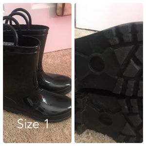 Girls black rain boots for Sale in Mechanicsville, VA