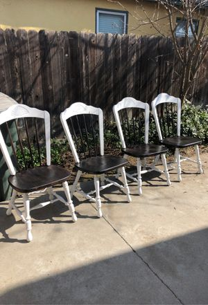 Farm Style Table with 4 Chairs for Sale in Fresno, CA