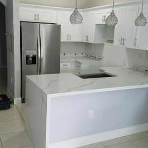 Kitchen cabinets painting for Sale in Hialeah, FL