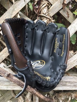 Rawlings 11-Inch Players Series Baseball Glove for Sale in Snohomish, WA