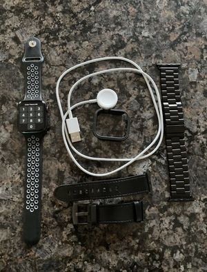 Apple Watch Series 5 for Sale in Hewlett, NY