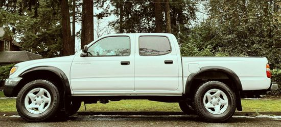 20/02 Toyota Tacoma SR5 4-DOOR 4X4 truck all option for Sale in Detroit,  MI