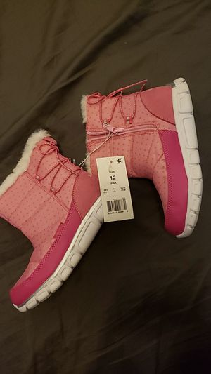 Girls pink snow boots for Sale in Denver, CO