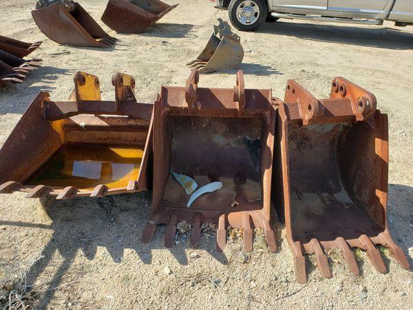 John deer backhoe buckets 200$ a piece or 500 for all three