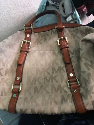 Michael Kors Purse / Real MK BAG for Sale in Phelan, CA