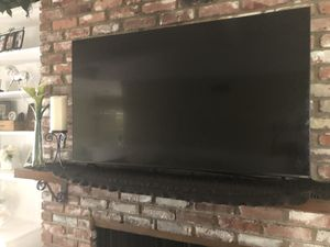 "LIKE NEW ** Only 4 Months Old ** 55"" inch VIZIO -Flatscreen - Smart Tv -HD Digital Quantum Color picture Quality for Sale in Newport Beach, CA"